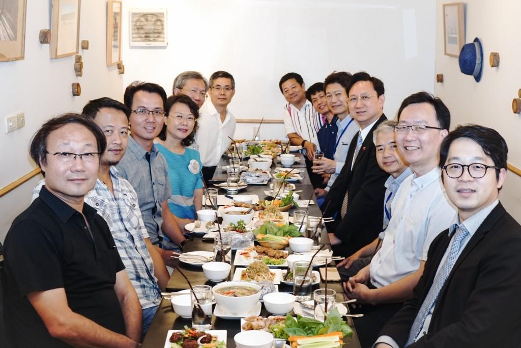 與駐泰國代表童振源大使餐敘